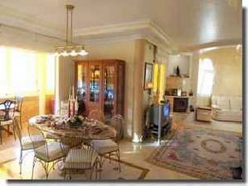 Villa-Mehrfamilienhaus in Adeje