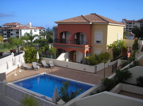 Beautiful full furnished apartment with heated pool.