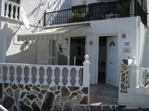 Schönes Appartement mit Terrasse. Ruhige Lage nähe Strand San Marcos.