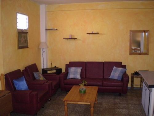 Möbliertes 1 Schlafzimmerapartment im Zentrum mit Dachterrasse.