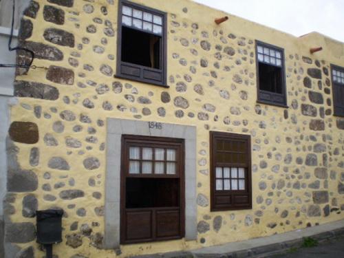 Casa rural verteilt im 3 Wohnungen mit Terrasse und Garten.