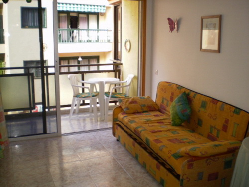 Schönes Studio-Appartement im Stadtzentrum mit Balkon.
