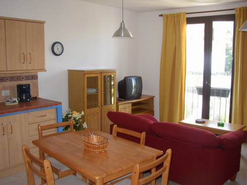 Nice and new apartment with a 5m² terrace/ patio