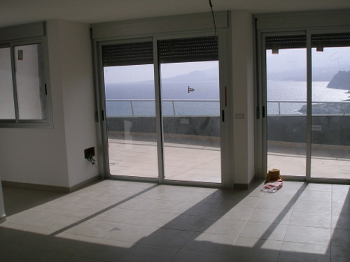 Fantastic and modern apartment with great seaviews