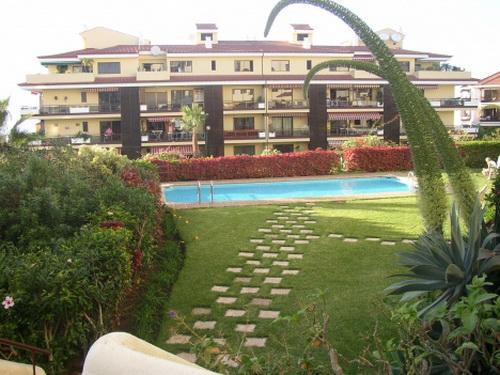 Appartement mit privatem Garten und Terrasse.