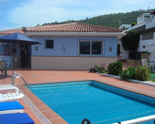 дом / вилла в El Sauzal в аренду