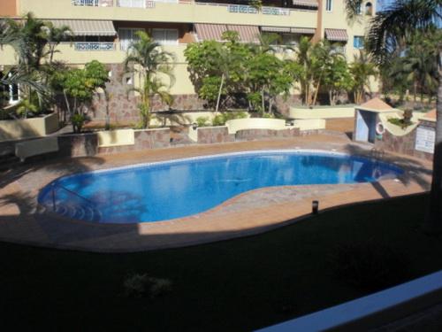 Apartamento con piscina en alquiler