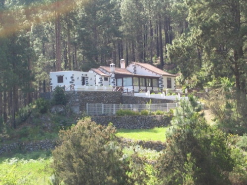 Cottage, 17. 500 square meters with 70 fruit trees