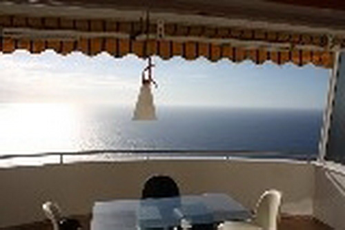 Nicely furnished and renovated apartment overlooking the sea, coast and Mount Teide.