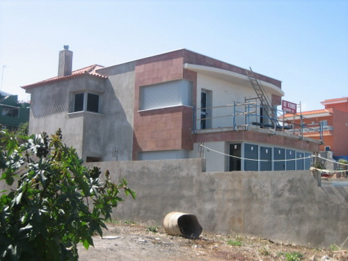 Spacious house in the final phase of construction
