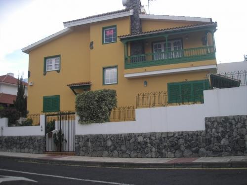 Schönes und geräumiges Haus mit 200m² Garten