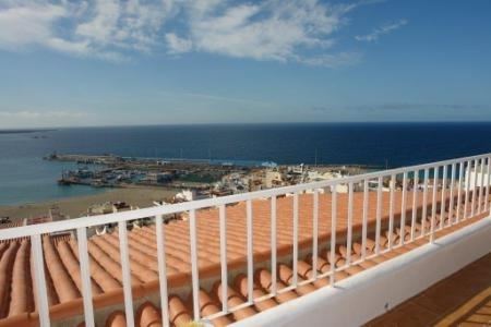 One bedroom apartment  with panoramic views.