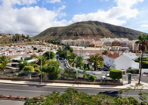 Verkauft: Sonniges Appartement mit Meerblick und beheiztem Pool in Los Cristianos; Residenz Los Alisios