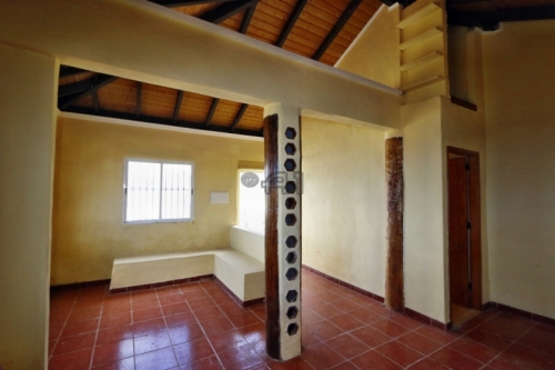Sunny Finca Rustica with Fantastic Parcel of Land, Sea View and small Chalet in El Sauzal