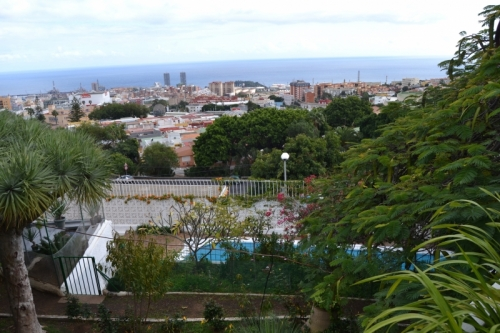 Villa with 1.600m2 land in Santa Cruz