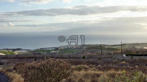 Traumhaftes Grundstück mit gutem Zuschnitt mit prächtigem Blick auf Playa San Juan & La Gomera