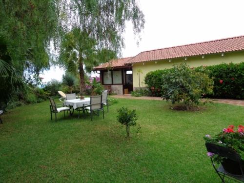 Schöne Villa mit großem Garten, sehr ruhig Situiert