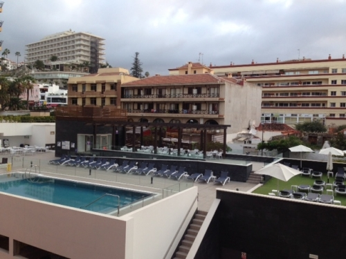CENTRO!!!!!!!!!!! apartamento en el centro, muy soleado, cerca de la playa y zona comercial,