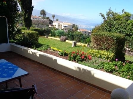 Very nice complex with pool, terraces, beautiful view to the sea, Puerto Cruz and Teide!
