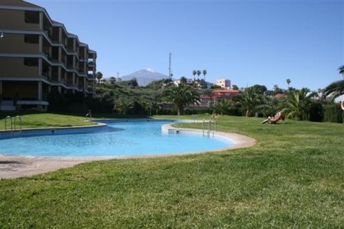 Schöne komplett möblierte Wohnung mit terrasse, Garten, Pool und Blick!