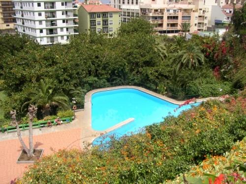 Schöne Wohnung im Zentrum, geräumig und sehr hell, Parkplatz und Gemeinschaftspool,