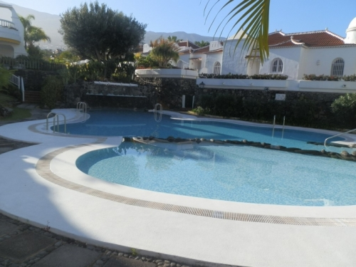 La Paz! Very nice and big apartment with terraces and garden!