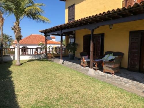 Schönes Chalet mit 4 Schlafzimmern, Blick auf das Meer und den Teide,