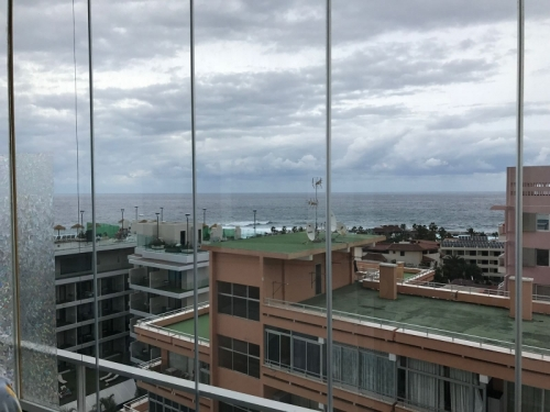 Very nice fully furnished studio in the center with sea view!