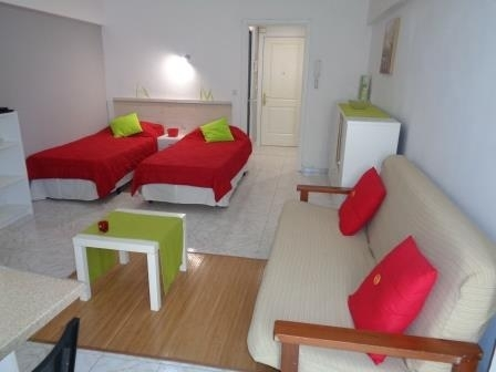 Nice studio down town and close to the beach and Pools!