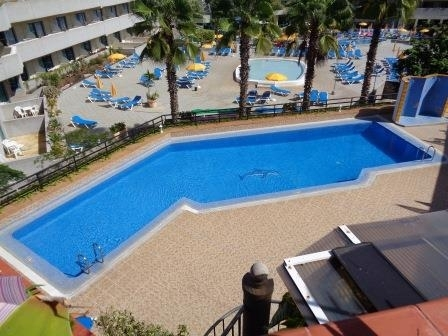 Sunny Apartment, Fully Furnished, Terrace with Sea Views, Communal Pool.