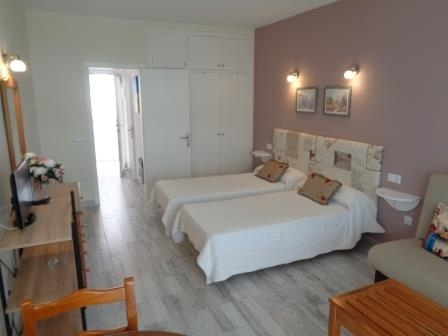 Beautiful studio-appartement down town close to the beach!