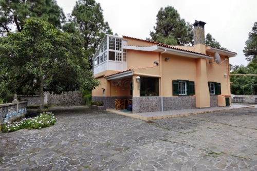 Cozy Finca with Beautiful Gardens in Teide-Mountains