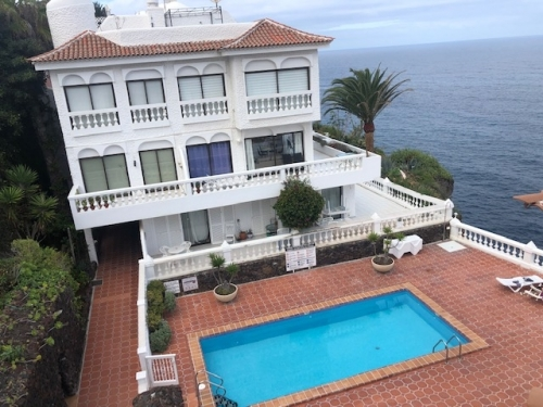 Panoramic views, 2 bedroom apartment, large terrace